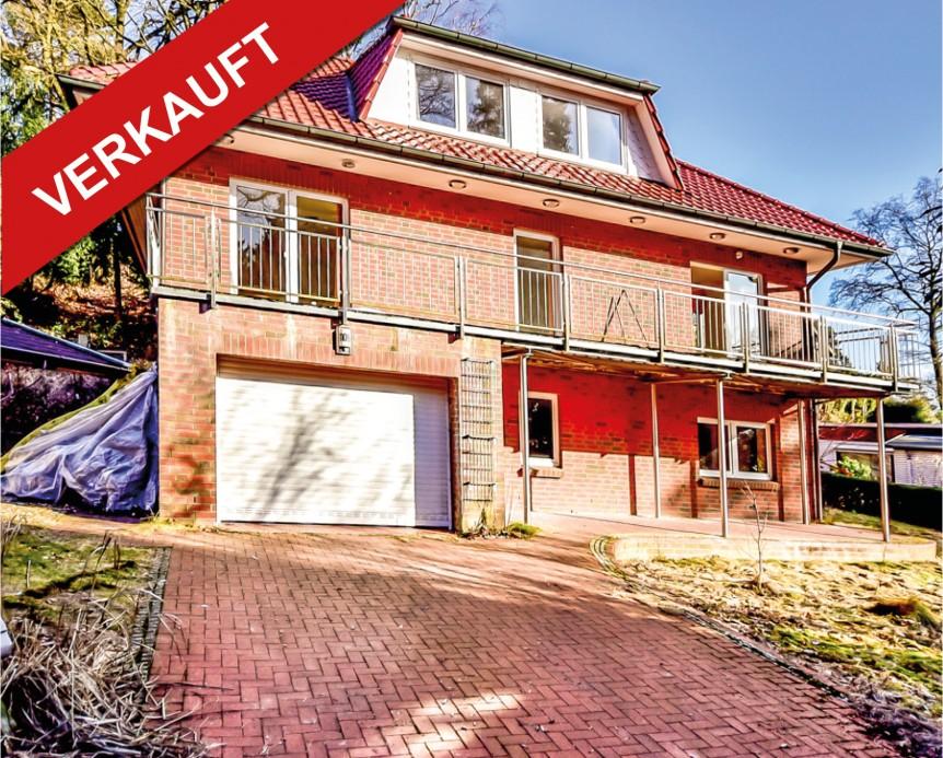 verkauft gro es einfamilienhaus mit integrierter garage in 21075 hamburg harburg. Black Bedroom Furniture Sets. Home Design Ideas