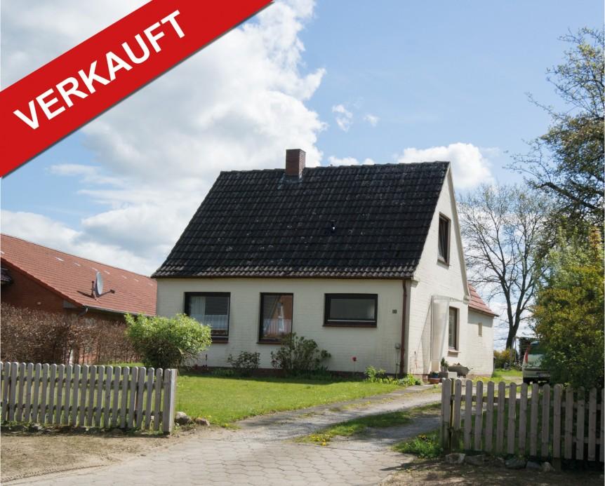 verkauft vermietetes handwerkerhaus mit viel potenzial in 22959 linau thonhauser. Black Bedroom Furniture Sets. Home Design Ideas
