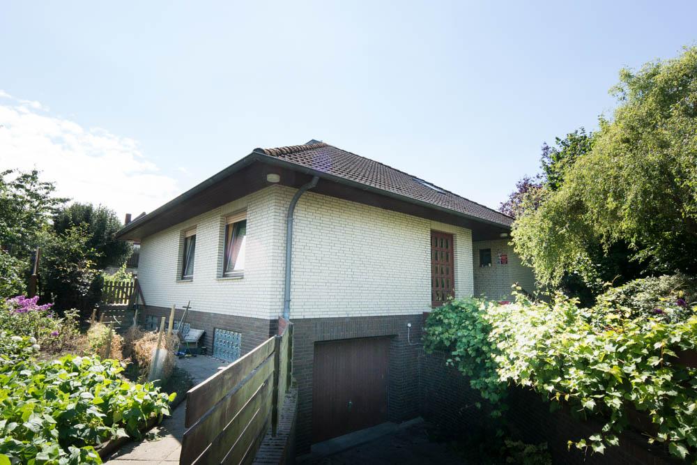 ! VERKAUFT ! Einfamilienhaus Mit Integrierter Garage In
