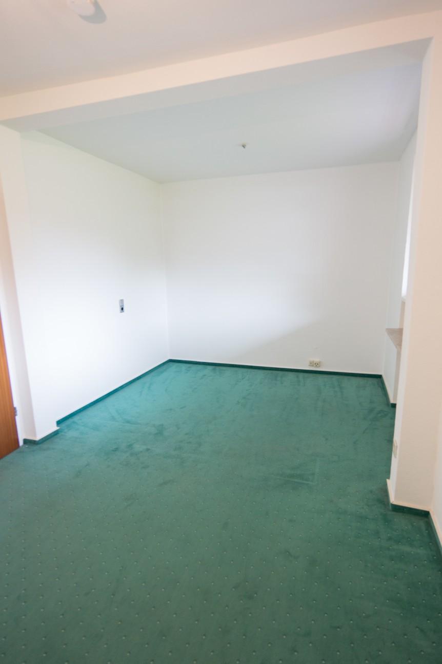 Große 3-Zimmerwohnung mit Stellplatz in ruhiger Lage in 21509 Glinde