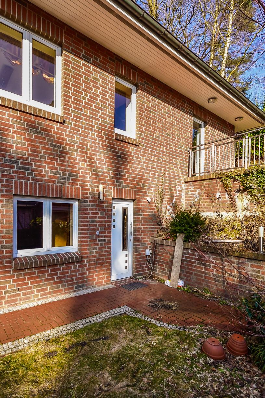 Einfamilienhaus mit integrierter Garage in 21075 Hamburg / Eingang / Thonhauser Immobilien GmbH
