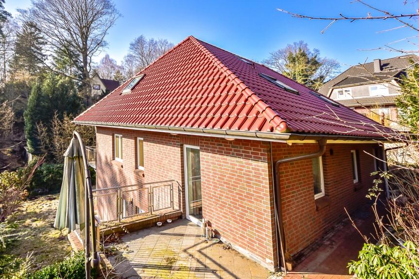 Einfamilienhaus mit integrierter Garage in 21075 Hamburg / Terrasse / Thonhauser Immobilien GmbH